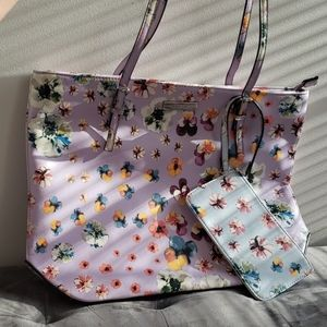 Brand New Nine West Floral Purse with Wrislet